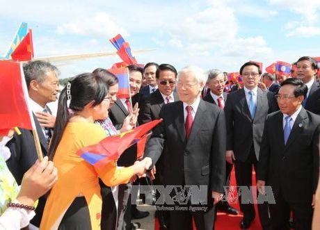 Tong Bi thu Nguyen Phu Trong tham huu nghi chinh thuc Lao - Anh 1