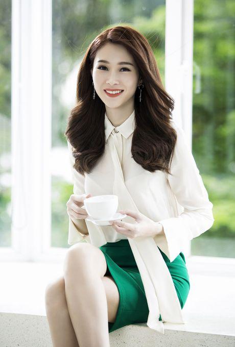Hoa hau Dang Thu Thao – dai su truyen cam hung cho cac co gai tre - Anh 1