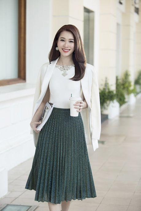 Hoa hau Dang Thu Thao – dai su truyen cam hung cho cac co gai tre - Anh 2