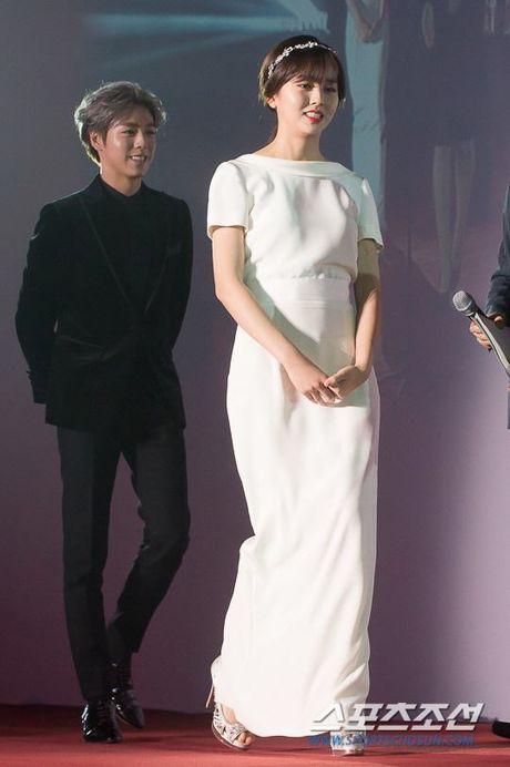 Kim So Hyun, co nang dac biet yeu thich mau trang - Anh 5