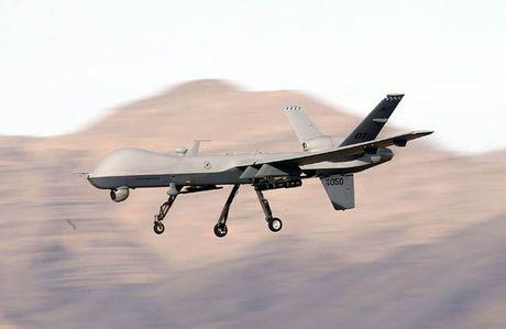 Clip: May bay MQ-9 Reaper cua My bi IS ban roi tai Mosul, Iraq - Anh 1