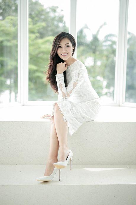 Hoa khoi Dieu Ngoc lam viec 16h lien tuc truoc khi len duong du Miss World - Anh 1
