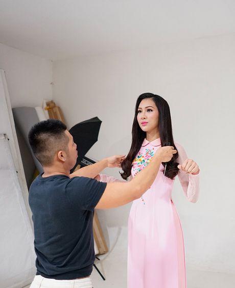 Hoa khoi Dieu Ngoc lam viec 16h lien tuc truoc khi len duong du Miss World - Anh 4