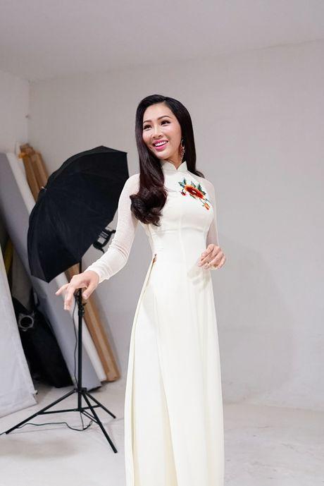 Hoa khoi Dieu Ngoc lam viec 16h lien tuc truoc khi len duong du Miss World - Anh 5