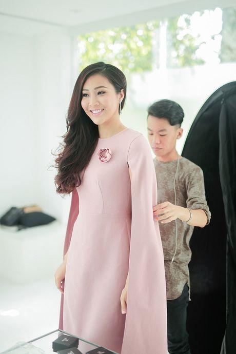 Hoa khoi Dieu Ngoc lam viec 16h lien tuc truoc khi len duong du Miss World - Anh 7
