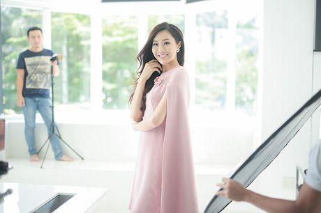 Hoa khoi Dieu Ngoc lam viec 16h lien tuc truoc khi len duong du Miss World - Anh 9