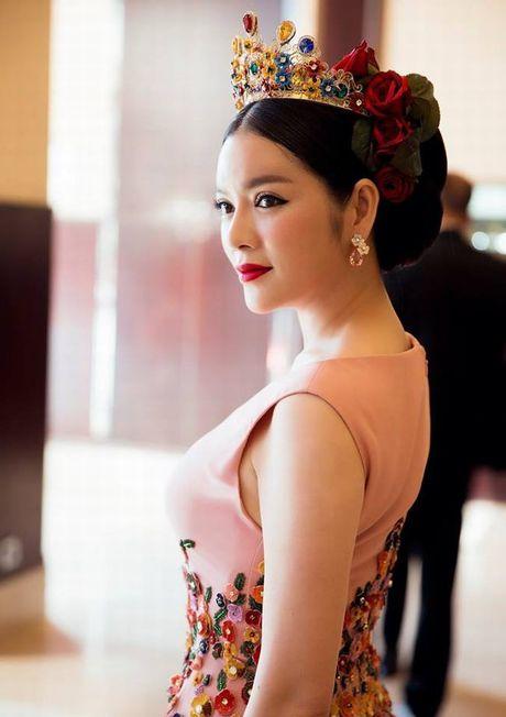 Ly Nha Ky duoc fan tang danh hieu 'ba chua danh ngon' - Anh 5