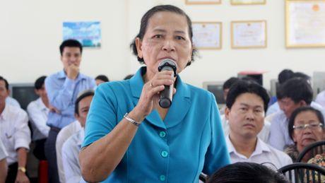 Ong Dinh La Thang tiep xuc cu tri: Nong van de o nhiem moi truong, nuoc sach - Anh 1