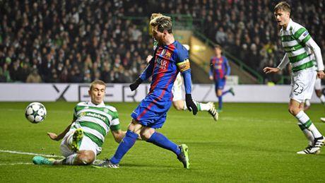 Barca thang tro lai: Co Messi la co tat ca - Anh 1