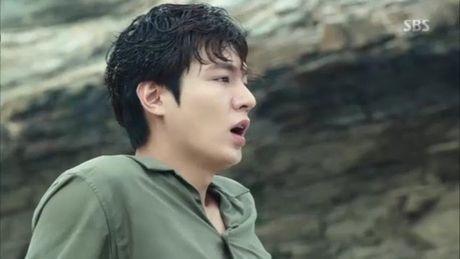 Xem phim Huyen thoai bien xanh tap 3: Lee Min Ho quen 'sach' ve tien ca Ji Hyun - Anh 2