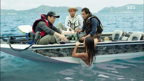 Xem phim Huyen thoai bien xanh tap 3: Lee Min Ho quen 'sach' ve tien ca Ji Hyun - Anh 3
