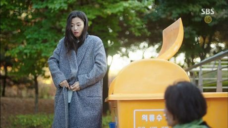 Xem phim Huyen thoai bien xanh tap 3: Lee Min Ho quen 'sach' ve tien ca Ji Hyun - Anh 6