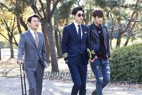 Xem phim Huyen thoai bien xanh tap 3: Lee Min Ho quen 'sach' ve tien ca Ji Hyun - Anh 7