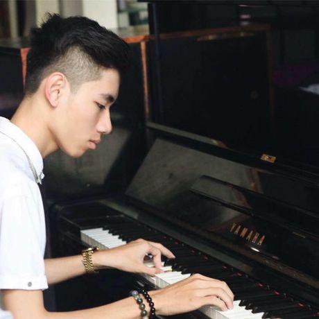 Chang trai 17 tuoi gay 'sot' vi bien organ thanh ban DJ va dan tranh - Anh 1
