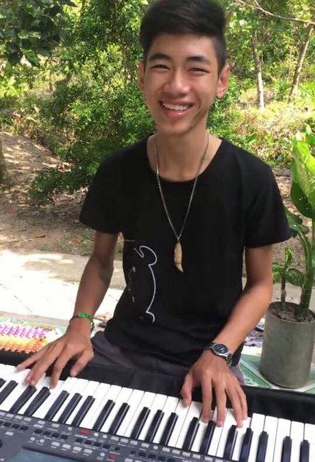 Chang trai 17 tuoi gay 'sot' vi bien organ thanh ban DJ va dan tranh - Anh 4