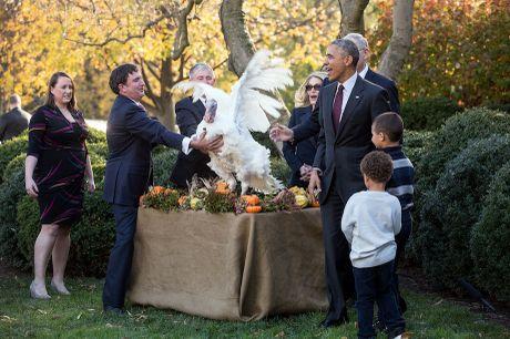Obama 'doi' con gai, dat chau trai den le an xa ga tay - Anh 3
