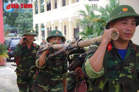 Huong Khe to chuc dien tap chi huy - tham muu tren ban do, thuc dia - Anh 2