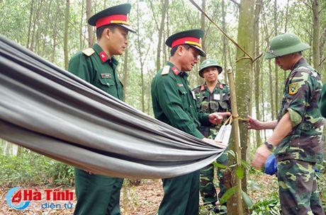 Huong Khe to chuc dien tap chi huy - tham muu tren ban do, thuc dia - Anh 4