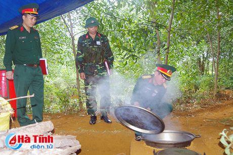 Huong Khe to chuc dien tap chi huy - tham muu tren ban do, thuc dia - Anh 5