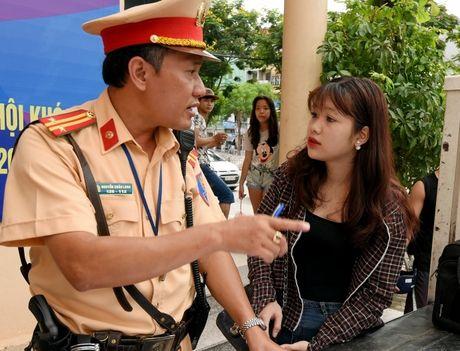 Cuc CSGT huong dan chi tiet de khong bi phat xe chinh chu - Anh 1
