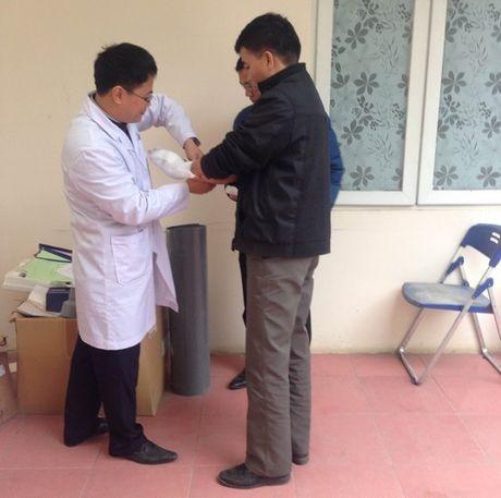 Hoan tat cao trang truy to Chu tich Truong Tieu hoc Lomonoxop - Anh 2