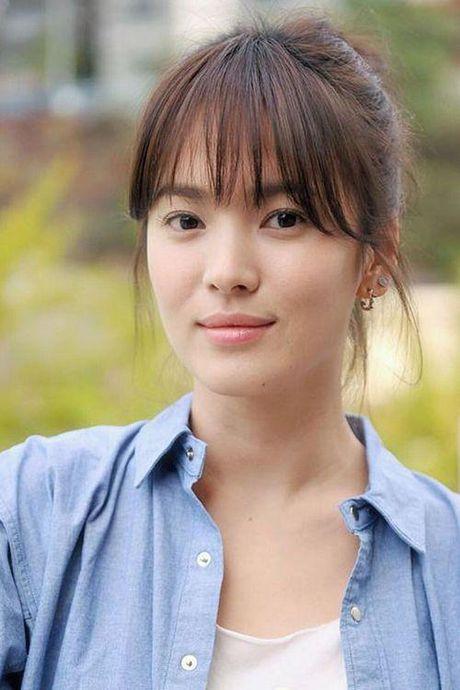 Mon qua 'khung' nguoi ham mo tang Song Hye Kyo nhan ngay sinh nhat la gi? - Anh 1