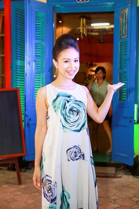 Su trung hop la ky ve so phan giua 2 nu MC noi tieng: Thao Van - Van Hugo - Anh 15