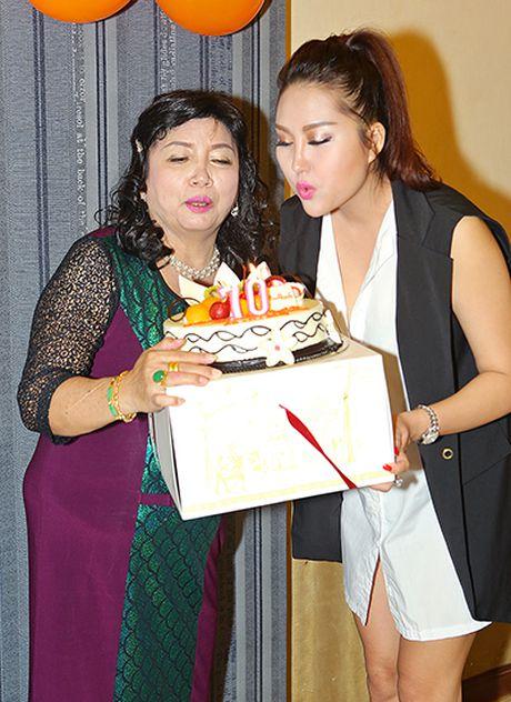 Khoi benh, Phi Thanh Van mo tiec mung tho me - Anh 4