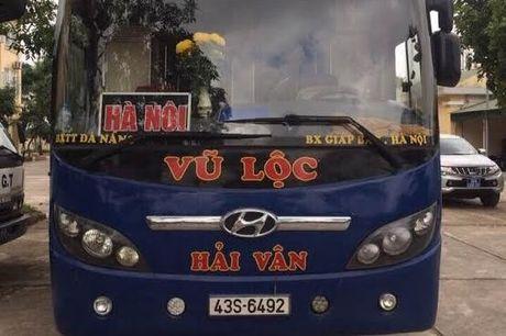 Thanh Hoa: Bat giu gan 1.000 bao thuoc la nhap lau - Anh 2