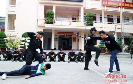 Nhung 'bong hong thep' cua cong an Nghe An - Anh 4