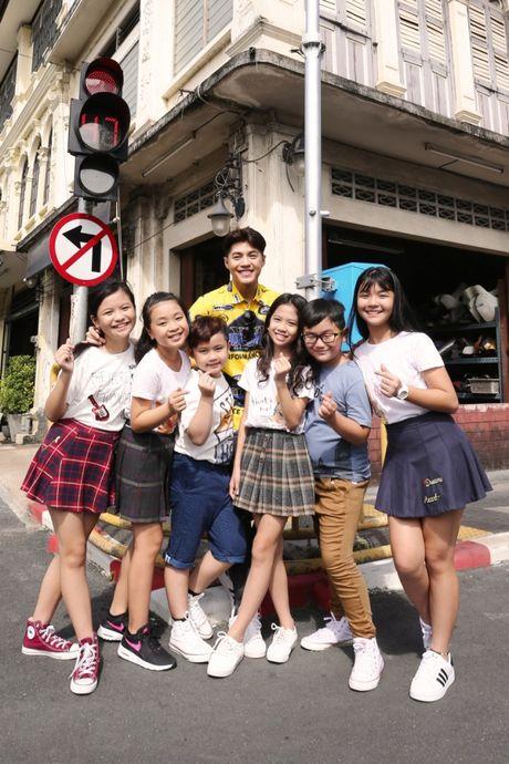 Team Noo Phuoc Thinh tao dang 'cuc chat' trong bo anh quang ba du lich Thai Lan - Anh 1