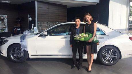 Chuan bi sinh em be, Jennifer Pham tu mua xe hop gan 3 ty tang ban than - Anh 4