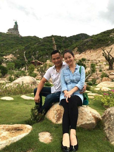 Chuan bi sinh em be, Jennifer Pham tu mua xe hop gan 3 ty tang ban than - Anh 5