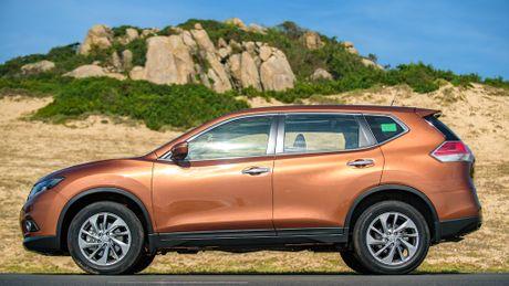 Gia tu 998 trieu dong, Nissan X-Trail lay gi de canh tranh Mazda CX-5 - Anh 2
