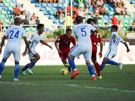 Viet Nam - Malaysia (1-0): Nong va nhat! - Anh 1