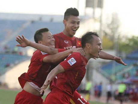 Viet Nam - Malaysia (1-0): Nong va nhat! - Anh 2