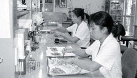 'Siet' dau thau de nang cao chat luong duoc lieu tai benh vien - Anh 1
