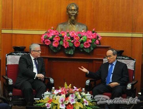 Chu tich Nguyen Thien Nhan tiep Dai su Australia - Anh 2