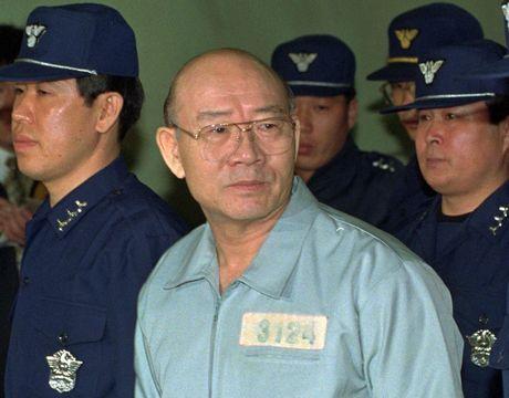 8 doi tong thong Han Quoc lien tiep dinh be boi - Anh 3