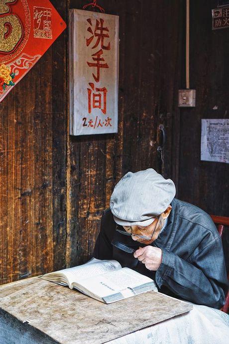 Co nang 9X du lich Trung Quoc voi 10 trieu dong - Anh 4