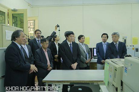DH Quoc gia Ha Noi khai truong phong thi nghiem trong diem Cong nghe phan tich - Anh 3