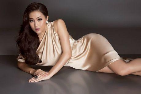 Dieu Ngoc noi gi truoc khi len duong tham gia Miss World 2016 - Anh 1
