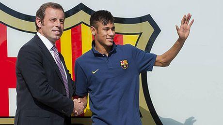 Neymar bi de nghi bo tu 2 nam, Barca bi phat nang - Anh 2