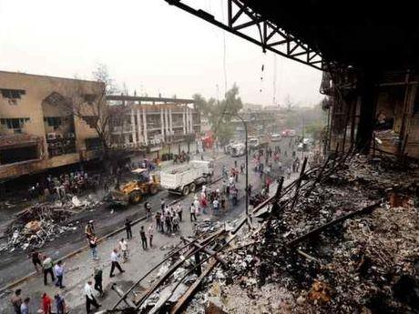 IS trong con 'giay chet': Dien cuong danh bom vao tram xang, giet hon 80 nguoi - Anh 1