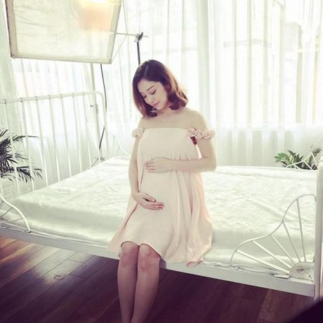 Sang My sinh con, Jennifer Pham tu thuong xe hop cho minh - Anh 2