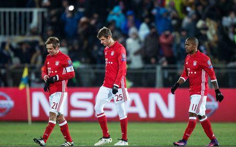 Toan canh 'Hum xam' Bayern guc nga truoc doi bong 'ty hon' Rostov - Anh 12