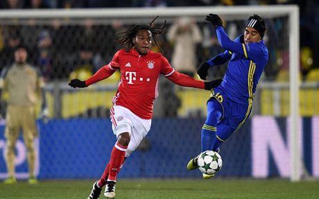 Toan canh 'Hum xam' Bayern guc nga truoc doi bong 'ty hon' Rostov - Anh 1