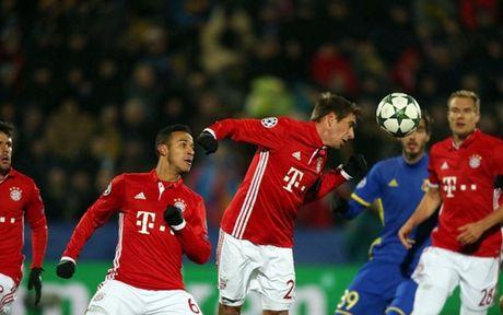 Toan canh 'Hum xam' Bayern guc nga truoc doi bong 'ty hon' Rostov - Anh 9