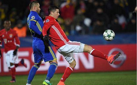 Thua dau Rostov, Bayern giam chan o vi tri thu 2 o bang D - Anh 1