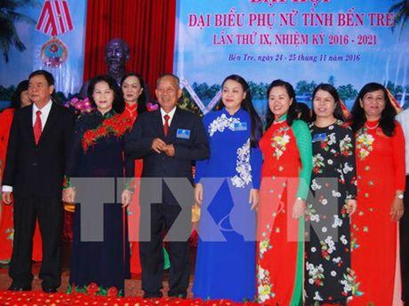 Chu tich Quoc hoi du Dai hoi dai bieu Phu nu tinh Ben Tre - Anh 1